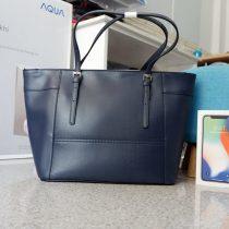 Túi xách Guess thương hiệu thời trang cũng Mỹ :)