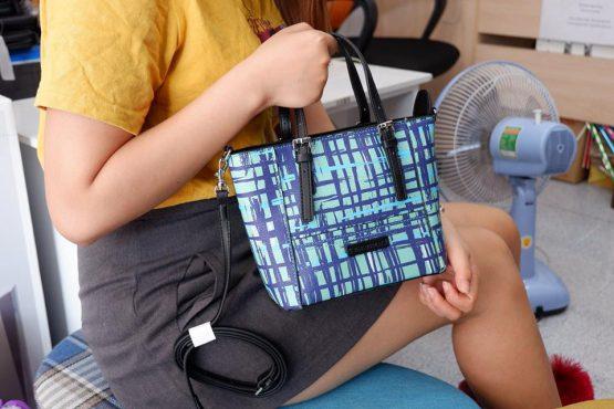 Túi xách : Vera Bradley thương hiệu của Mỹ