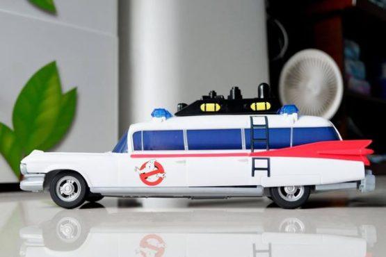 Mô Hình Lắp Ráp Xe Hasbro Cadillac Ghostbusters ECTO-1 – No.E9560